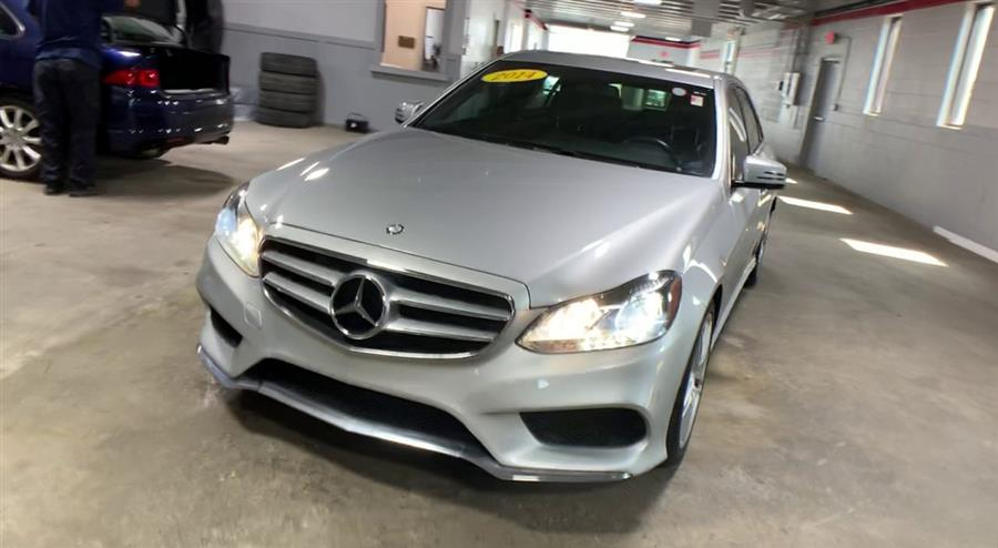 Used Mercedes-Benz E-Class 4dr Sdn E 350 Luxury RWD 2014 | Wiz Leasing Inc. Stratford, Connecticut