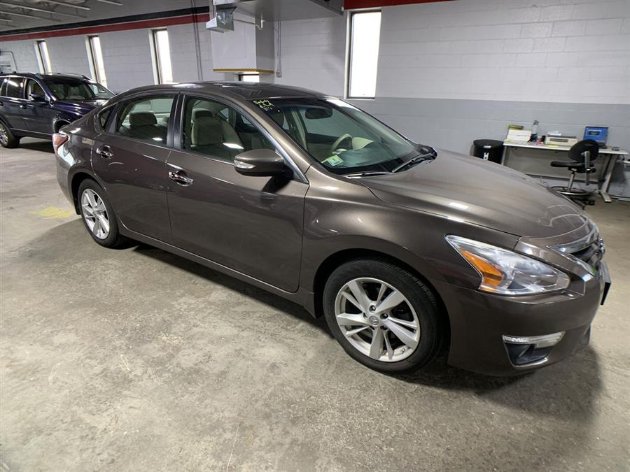 Used Nissan Altima 4dr Sdn I4 2.5 S 2013 | Wiz Leasing Inc. Stratford, Connecticut