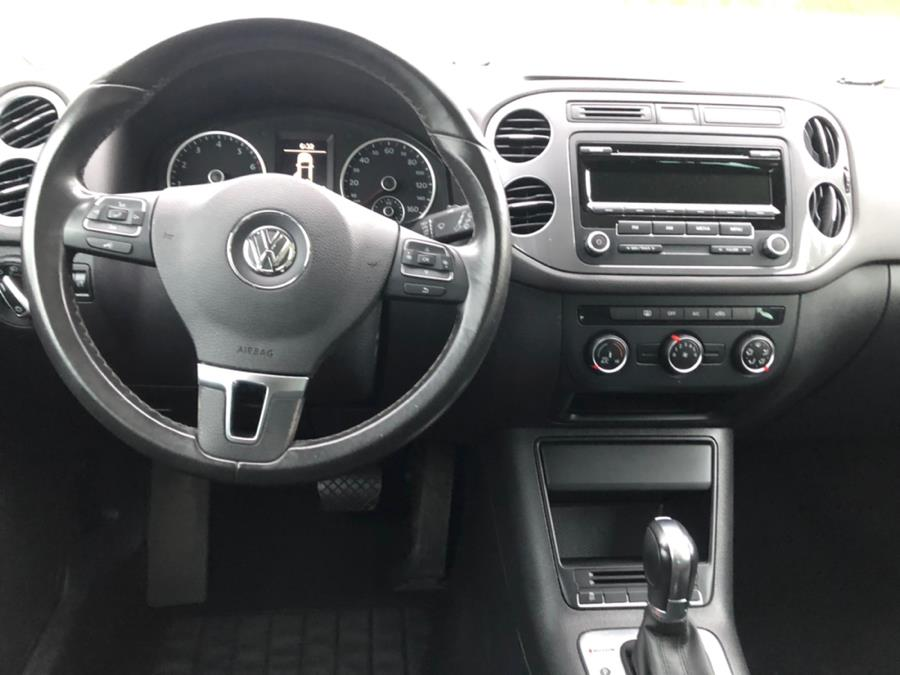 2013 Volkswagen Tiguan 4WD 4dr Auto S w/Sunroof, available for sale in Agawam, Massachusetts | Malkoon Motors. Agawam, Massachusetts