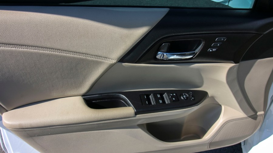 2015 Honda Accord Sedan 4dr V6 Auto EX-L w/Navi, available for sale in Medford, Massachusetts | Inman Motors Sales. Medford, Massachusetts