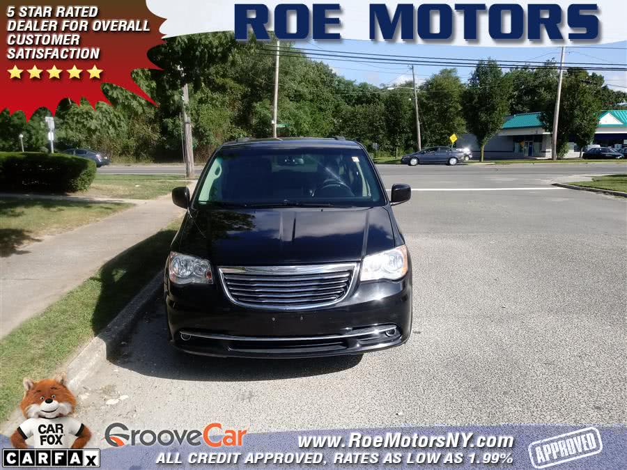 Used 2013 Chrysler Town & Country in Shirley, New York | Roe Motors Ltd. Shirley, New York