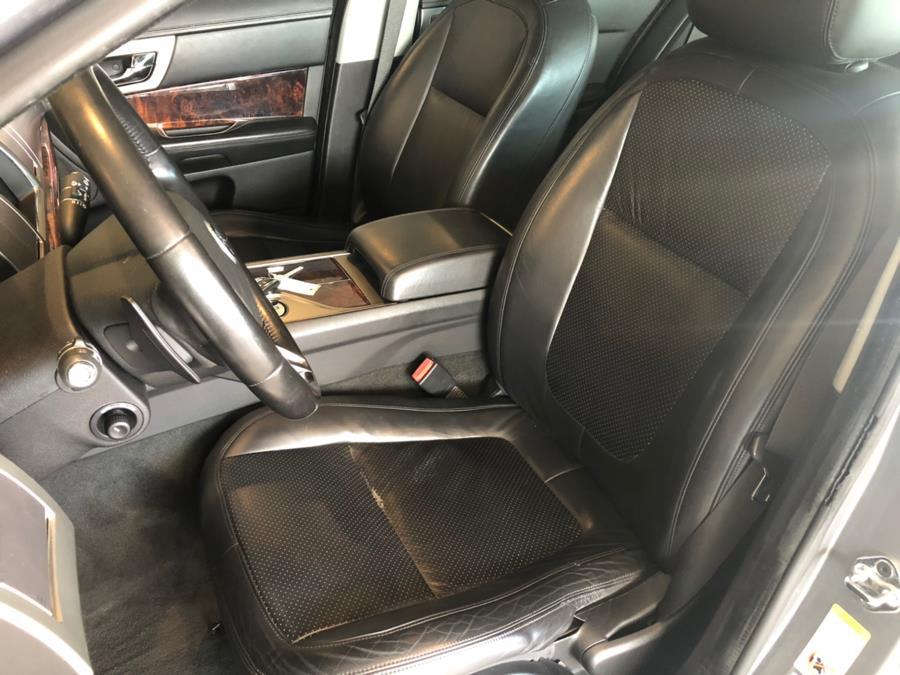 2009 Jaguar XF 4dr Sdn Premium Luxury, available for sale in West Hartford, Connecticut | AutoMax. West Hartford, Connecticut