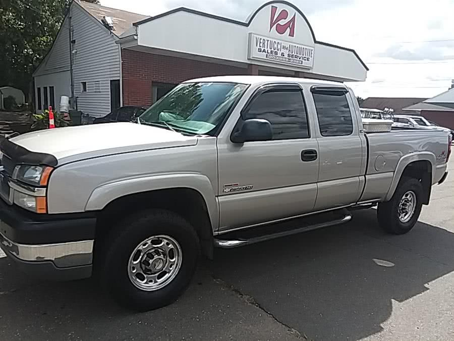 Used 2004 Chevrolet Silverado 2500HD in Wallingford, Connecticut | Vertucci Automotive Inc. Wallingford, Connecticut