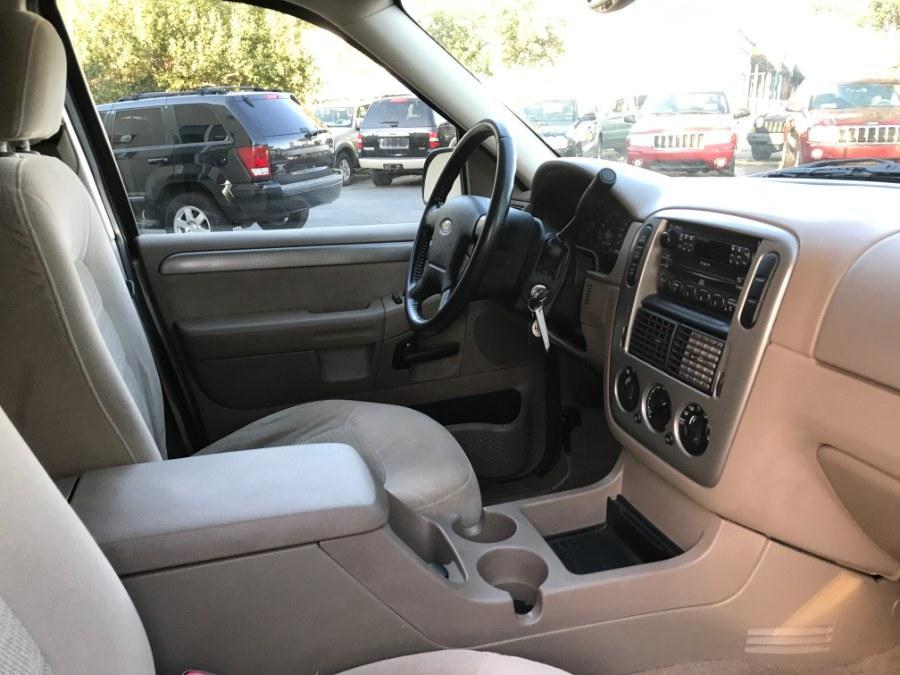 2004 Ford Explorer 4dr 114