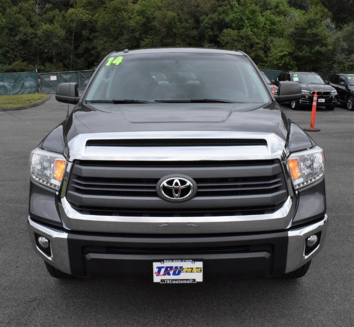 2014 Toyota Tundra 4WD Truck CrewMax 5.7L V8 6-Spd AT SR5 (Natl), available for sale in Berlin, Connecticut | Tru Auto Mall. Berlin, Connecticut