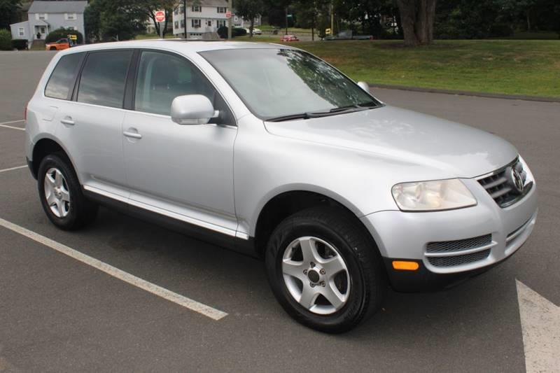 2006 Volkswagen Touareg V6 AWD 4dr SUV, available for sale in Waterbury, Connecticut | Sphinx Motorcars. Waterbury, Connecticut