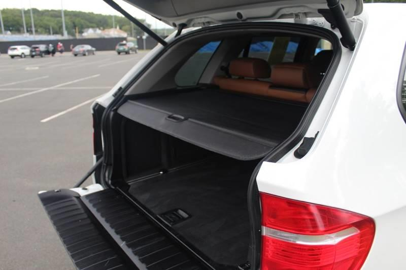 2010 BMW X5 xDrive35d AWD 4dr SUV, available for sale in Waterbury, Connecticut | Sphinx Motorcars. Waterbury, Connecticut
