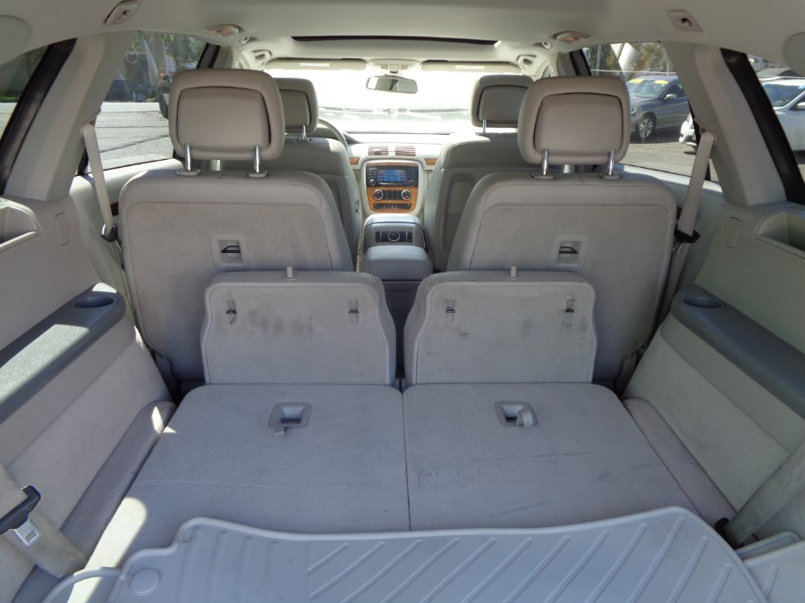 2008 Mercedes-Benz R-Class 4dr 3.5L 4MATIC, available for sale in Corona, California | Spectrum Motors. Corona, California