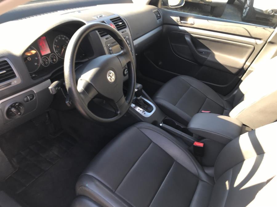 2005 Volkswagen Jetta Sedan A5 4dr 2.5L Auto PZEV, available for sale in Manchester, Connecticut | Best Auto Sales LLC. Manchester, Connecticut