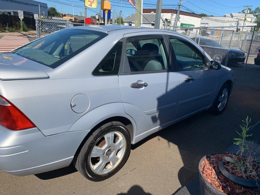 Used Ford Focus 4dr Sdn ZX4 SES 2005 | Harbor View Auto Sales LLC. Stamford, Connecticut