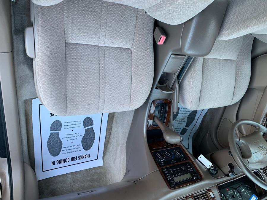 2000 Toyota Camry 4dr Sdn XLE Auto, available for sale in Taunton, Massachusetts | Rt 138 Auto Center Inc . Taunton, Massachusetts