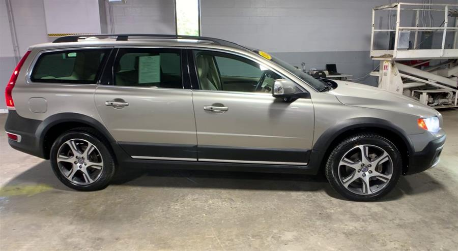 Used Volvo XC70 2015.5 AWD 4dr Wgn T6 2015 | Wiz Leasing Inc. Stratford, Connecticut