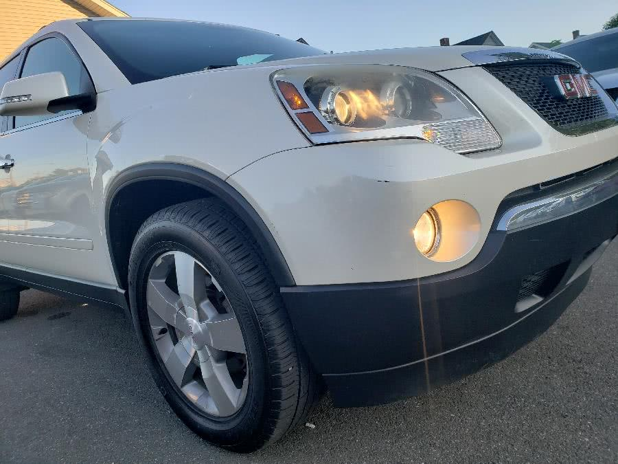 Used 2010 GMC Acadia in Little Ferry, New Jersey | Victoria Preowned Autos Inc. Little Ferry, New Jersey