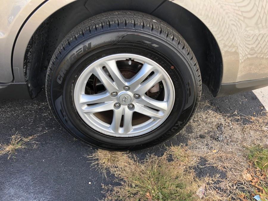 Used Hyundai Santa Fe AWD 4dr I4 GLS 2012 | Carmatch NY. Bayshore, New York