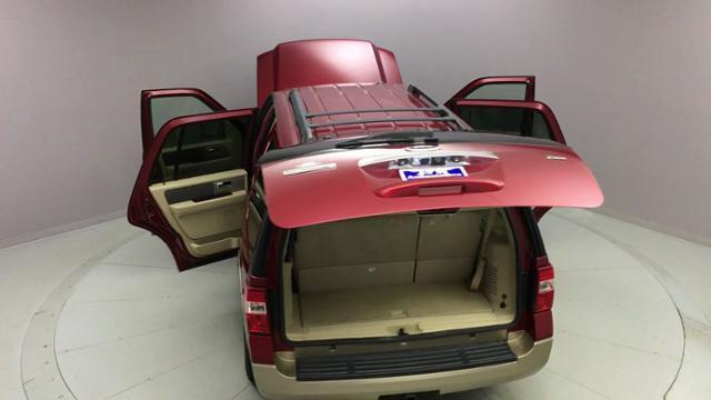 2014 Ford Expedition 4WD 4dr XLT, available for sale in Naugatuck, Connecticut | J&M Automotive Sls&Svc LLC. Naugatuck, Connecticut