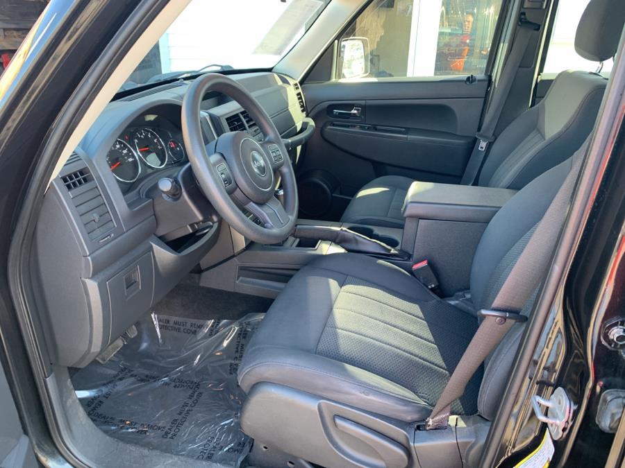 Used Jeep Liberty 4WD 4dr Sport 2011 | Car City of Danbury, LLC. Danbury, Connecticut