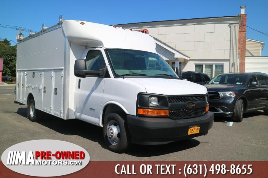 Used 2017 Chevrolet Express Commercial Cutaway in Huntington, New York | M & A Motors. Huntington, New York