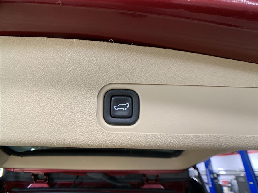Used GMC Yukon XL AWD 4dr 1500 Denali 2010 | Wiz Leasing Inc. Stratford, Connecticut