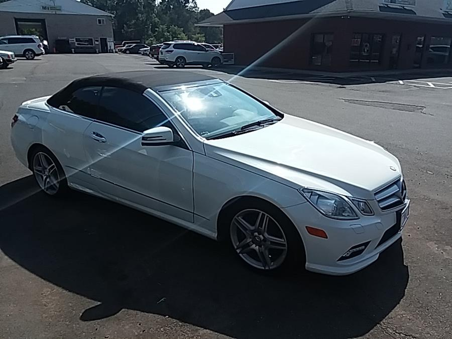 2011 Mercedes-Benz E-Class 2dr Cabriolet E550 RWD, available for sale in Wallingford, Connecticut | Vertucci Automotive Inc. Wallingford, Connecticut