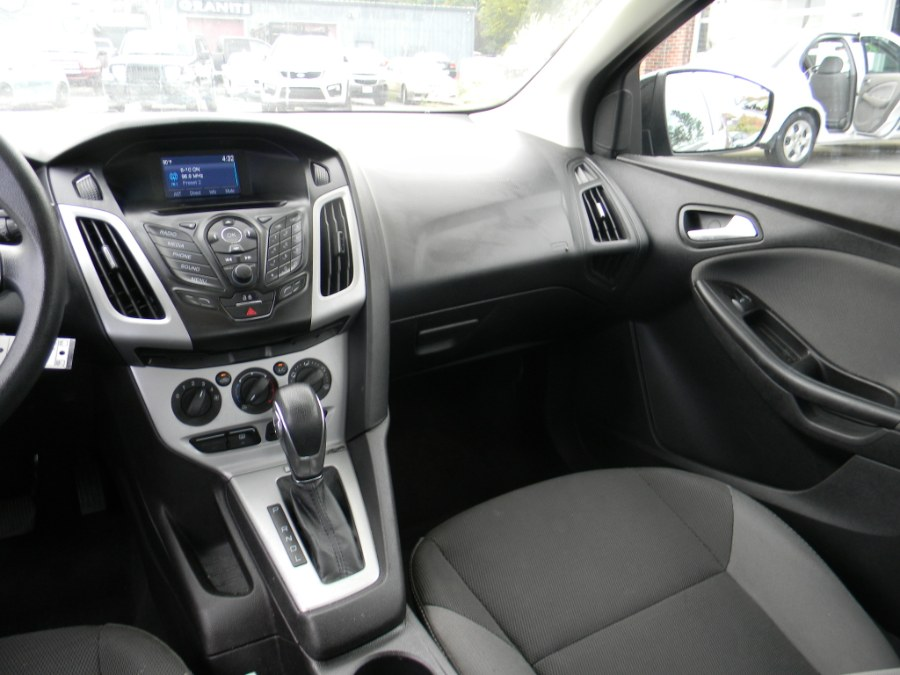2014 Ford Focus 4dr Sdn SE, available for sale in Southborough, Massachusetts   M&M Vehicles Inc dba Central Motors. Southborough, Massachusetts