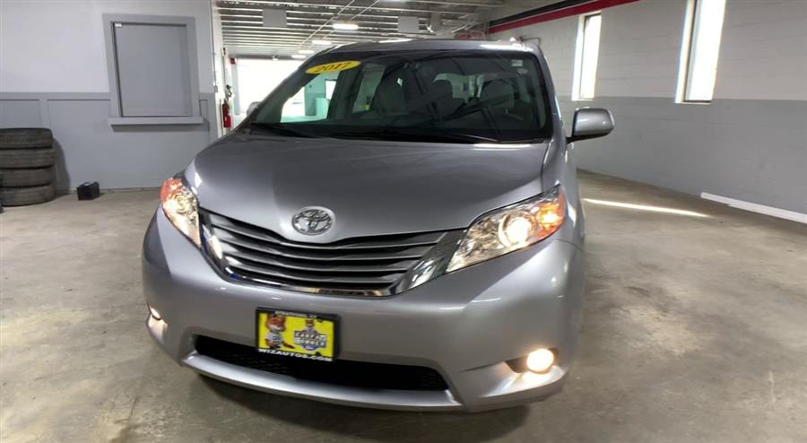 Used Toyota Sienna XLE 2017 | Wiz Leasing Inc. Stratford, Connecticut
