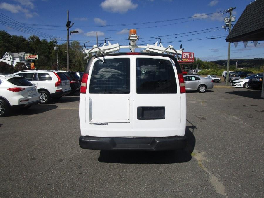 2008 Chevrolet Express Cargo Van RWD 2500 135
