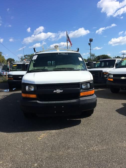 Used 2009 Chevrolet Express Cargo Van in Lindenhurst, New York | The Van Depot Inc.. Lindenhurst, New York