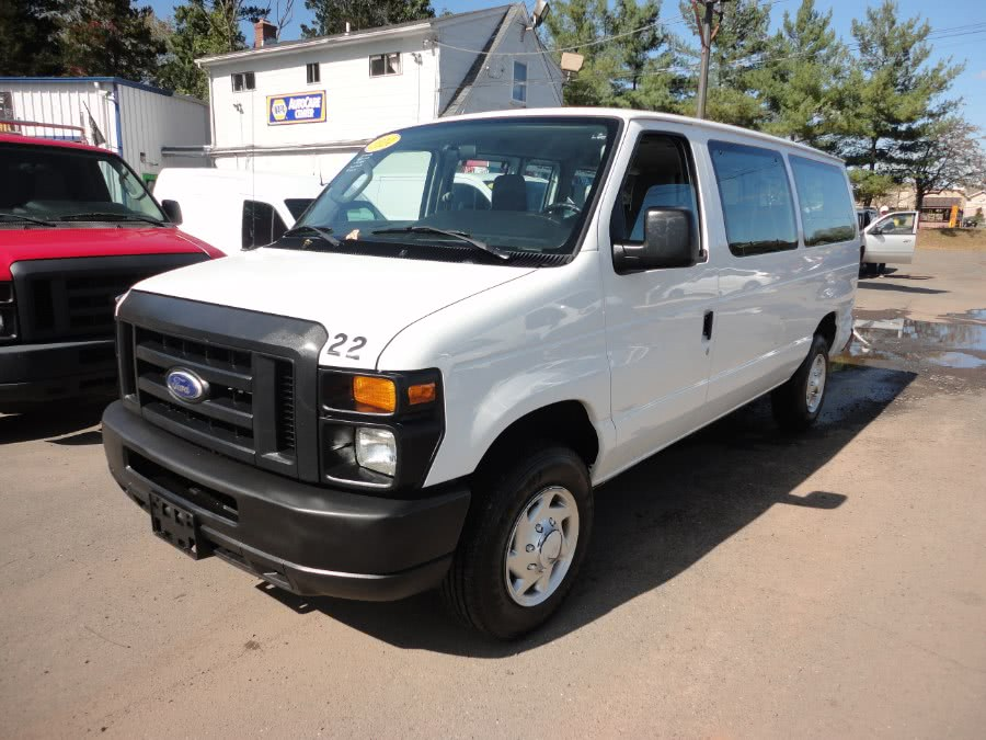 2014 Ford Econoline Wagon E-350 Super Duty XLT, available for sale in Berlin, CT