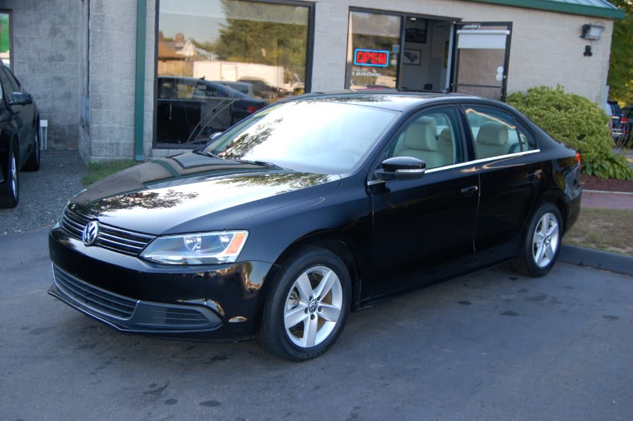 Used 2014 Volkswagen Jetta Sedan in Old Saybrook, Connecticut | M&N`s Autohouse. Old Saybrook, Connecticut