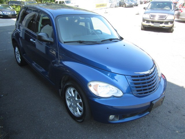 2008 Chrysler PT Cruiser 4dr Wgn Touring, available for sale in Meriden, Connecticut | Cos Central Auto. Meriden, Connecticut