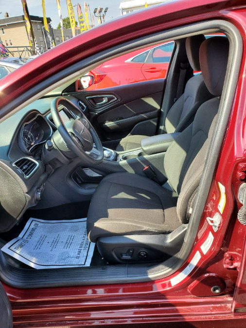 2016 Chrysler 200 4dr Sdn Limited FWD, available for sale in Irvington, New Jersey | Foreign Auto Imports. Irvington, New Jersey