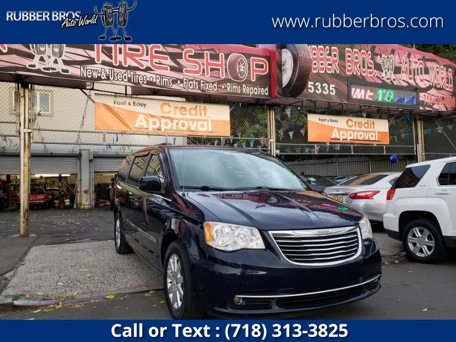 Used 2014 Chrysler Town & Country in Brooklyn, New York | Rubber Bros Auto World. Brooklyn, New York