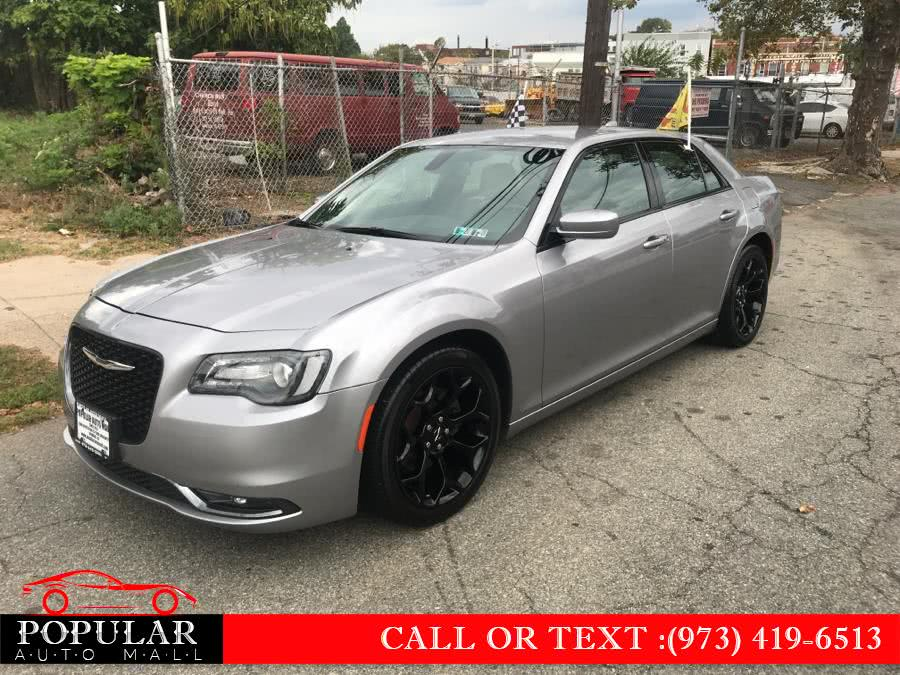 Used 2017 Chrysler 300 in Newark , New Jersey | Popular Auto Mall Inc . Newark , New Jersey