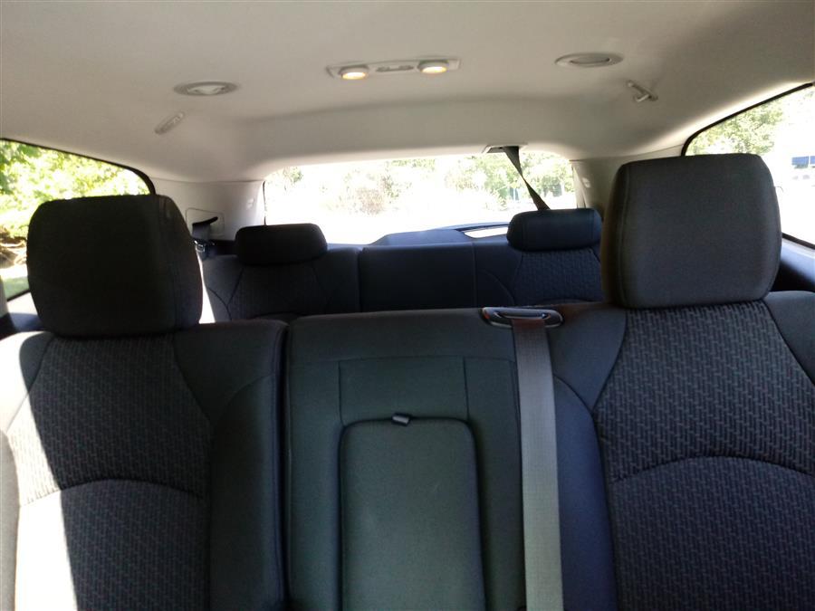 Used Chevrolet Traverse FWD 4dr LT w/1LT 2011   Roe Motors Ltd. Shirley, New York