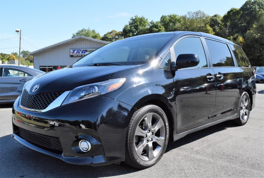 Used 2015 Toyota Sienna in Berlin, Connecticut | Tru Auto Mall. Berlin, Connecticut