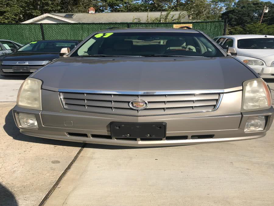 Used 2004 Cadillac SRX in Islip, New York | 111 Used Car Sales Inc. Islip, New York