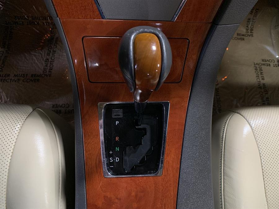 Used Lexus ES 350 4dr Sdn 2010 | Wiz Leasing Inc. Stratford, Connecticut
