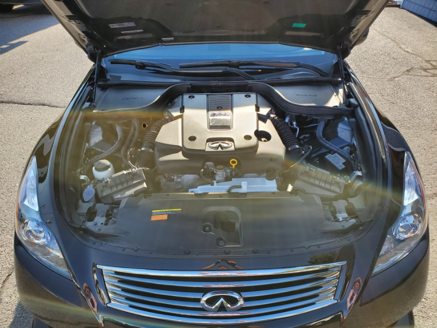 2014 INFINITI Q60 Convertible 2dr IPL, available for sale in Thomaston, CT