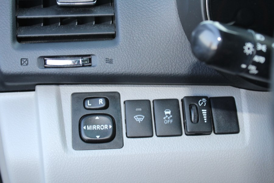 2013 Toyota Highlander 4WD 4dr V6 SE (Natl), available for sale in East Windsor, Connecticut   Century Auto And Truck. East Windsor, Connecticut