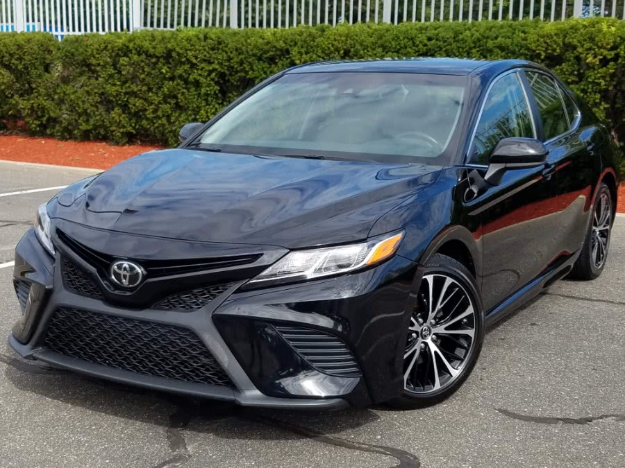 Used 2018 Toyota Camry in Queens, New York