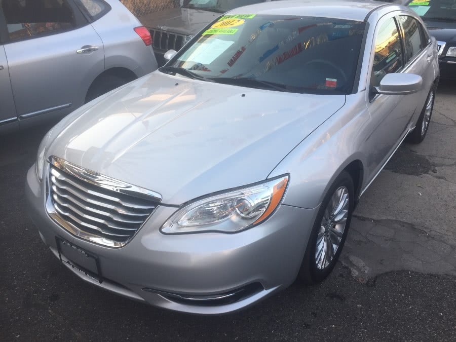 Used Chrysler 200 4dr Sdn LX 2012 | Middle Village Motors . Middle Village, New York