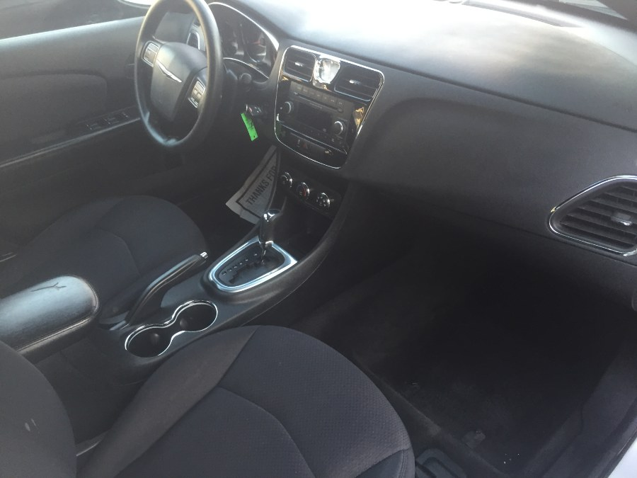2012 Chrysler 200 4dr Sdn LX, available for sale in Middle Village, New York | Middle Village Motors . Middle Village, New York