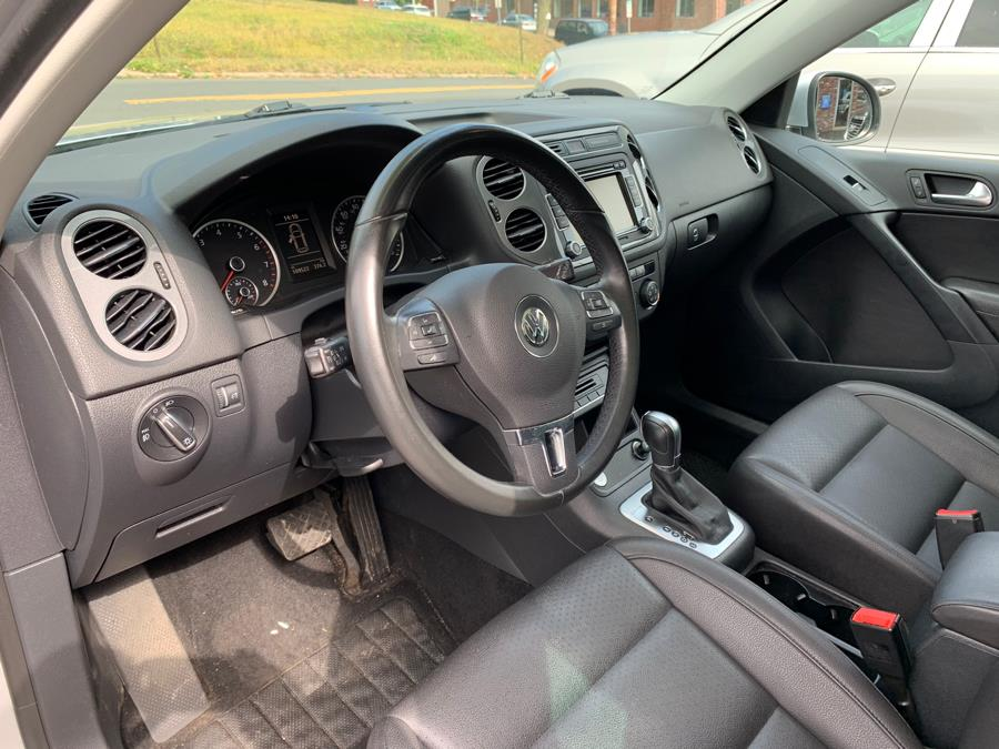2015 Volkswagen Tiguan 4MOTION 4dr Auto SE, available for sale in New Britain, Connecticut | Central Auto Sales & Service. New Britain, Connecticut