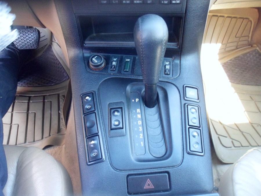 1998 BMW 3 Series 318IA 4dr Sdn Auto, available for sale in Bridgeport, Connecticut | Hurd Auto Sales. Bridgeport, Connecticut