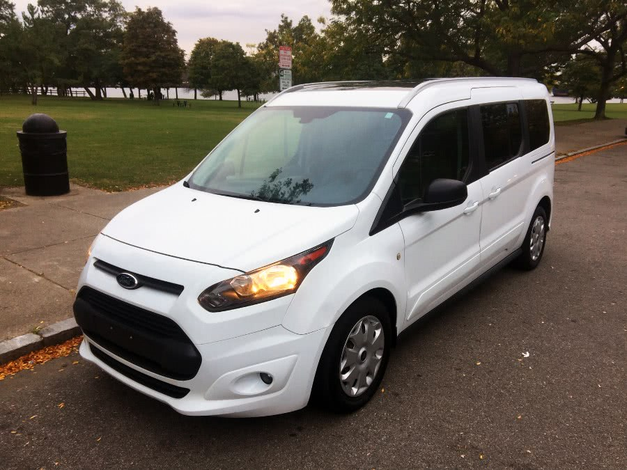 Used 2015 Ford Transit Connect Wagon in Chelsea, Massachusetts | New Star Motors. Chelsea, Massachusetts