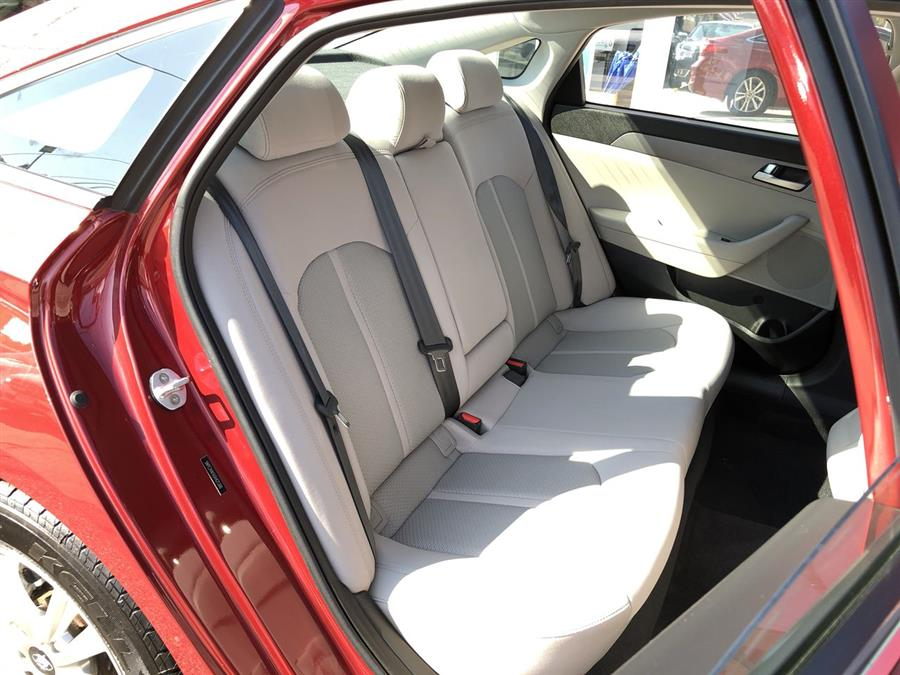 2016 Hyundai Sonata 4dr Sdn 2.4L SE, available for sale in Amityville, New York | Sunrise Auto Outlet. Amityville, New York