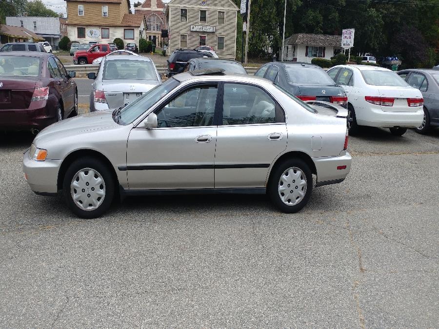 1997 Honda Accord Sdn 4dr Sdn LX Auto, available for sale in Chicopee, Massachusetts | Matts Auto Mall LLC. Chicopee, Massachusetts