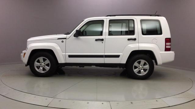2012 Jeep Liberty 4WD 4dr Sport, available for sale in Naugatuck, Connecticut | J&M Automotive Sls&Svc LLC. Naugatuck, Connecticut