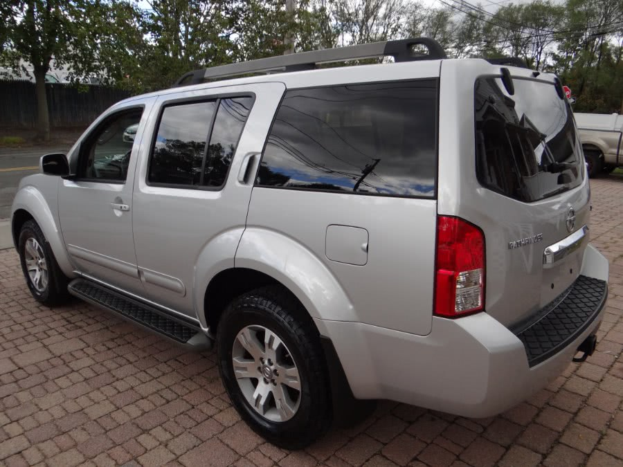 Used 2009 Nissan Pathfinder in West Babylon, New York | SGM Auto Sales. West Babylon, New York