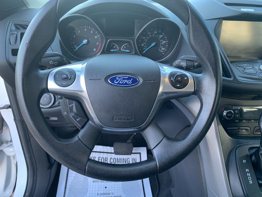 Used Ford Escape 4WD 4dr SE 2015 | Harbor View Auto Sales LLC. Stamford, Connecticut